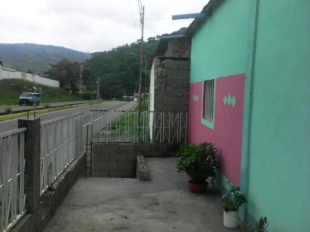SKY GROUP Vende pequeña y comoda casa en Trujillo. - 5/6