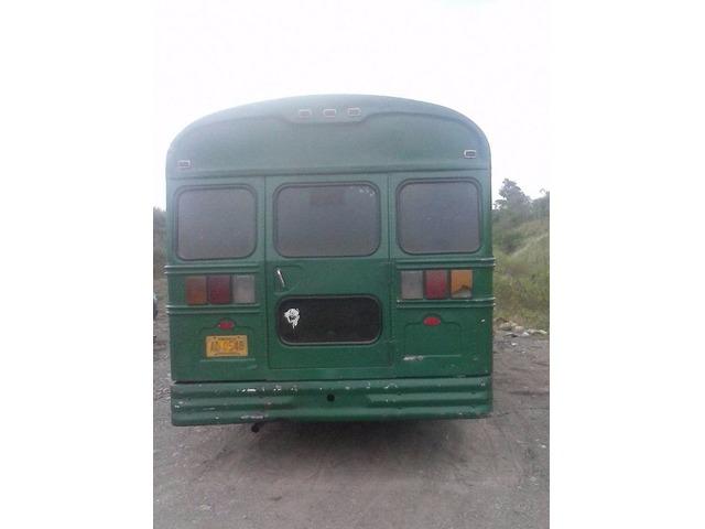 Vendo Autobús Ford Año 78 - 3/6