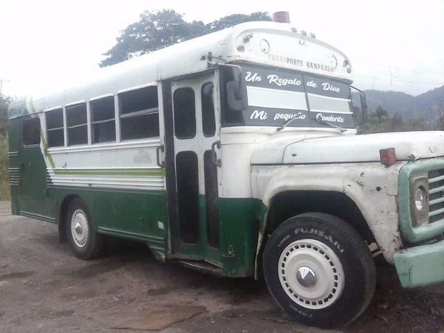 Vendo Autobús Ford Año 78 - 4/6