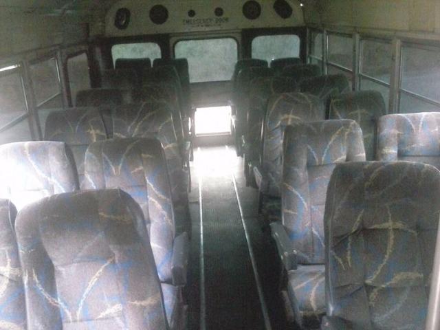 Vendo Autobús Ford Año 78 - 5/6