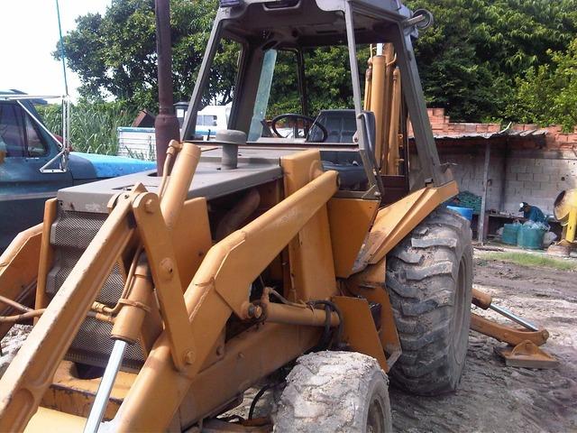 RETRO EXCAVADORA CASE 580 SUPER K 4X4 BRAZO EXTENCIBLE - 2/6