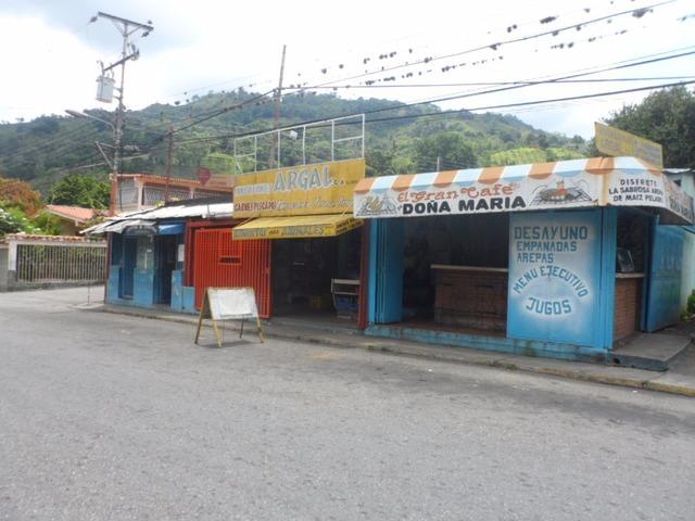 SKY GROUP VENDE Local Comercial en Tres Esquinas TRUJILLO - 1/5