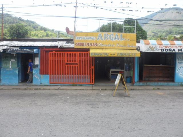 SKY GROUP VENDE Local Comercial en Tres Esquinas TRUJILLO - 2/5