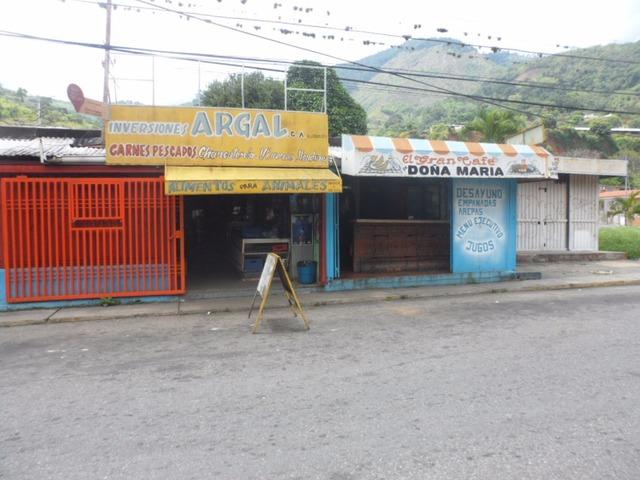 SKY GROUP VENDE Local Comercial en Tres Esquinas TRUJILLO - 3/5