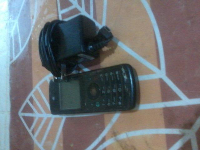 TELEFONO MOTOROLA W175 CON CARGADOR - 2/3