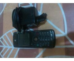TELEFONO MOTOROLA W175 CON CARGADOR
