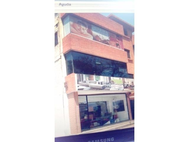 Alquilo oficinas en Las Mercedes, Av. Rio de Janeiro - 1/4