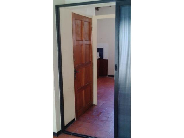 Alquilo apartamento anexo independiente  Urb. La Esmeralda, San Diego. - 2/6
