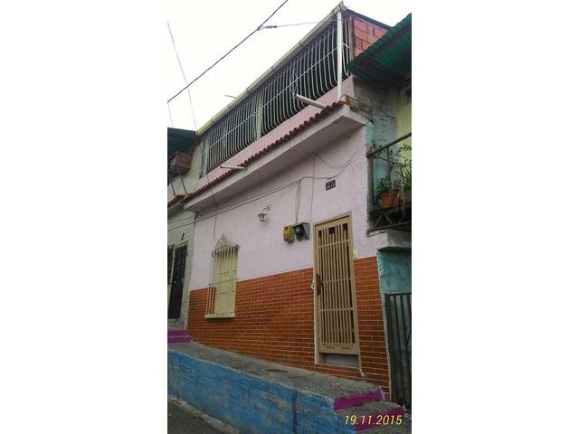 """Casa en Ruperto Lugo Catia 1era Calle Tovar """" Excelente Ocasión """" - 1/6"""