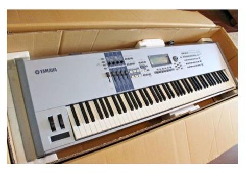 Yamaha MOTIF ES8 Keyboard Synthesizer nuevo