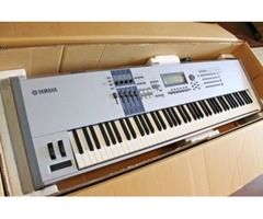 Yamaha MOTIF ES8 Keyboard Synthesizer nuevo