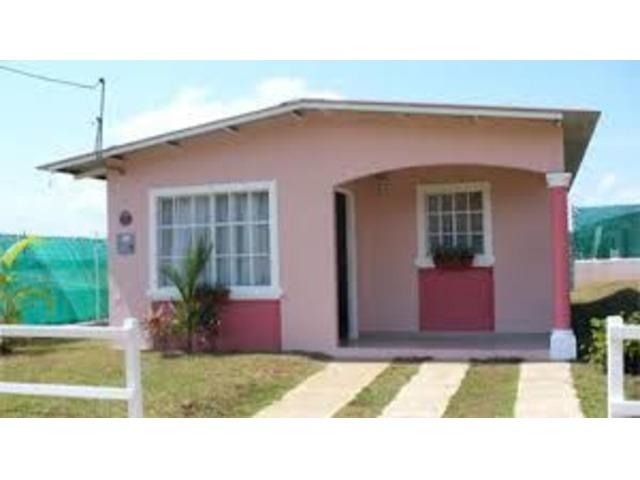 Bella casa en venta Con estacionamiento cerca de la pza Bolivar - 1/1