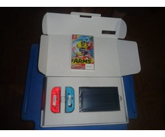 Consola Nintendo Switch mas un juego en fisico ARMS