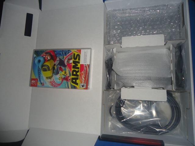 Consola Nintendo Switch mas un juego en fisico ARMS - 4/4