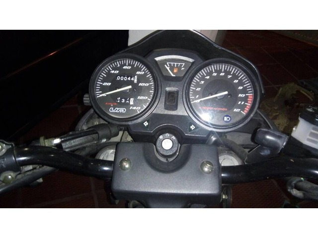 Moto Um Fastwind - 2/2