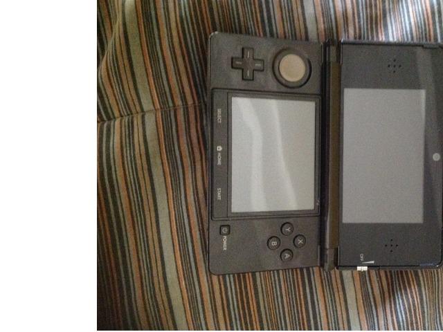 Nintendo 3DS - 1/2