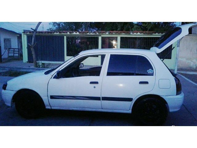 Toyota Starlet - 2/6